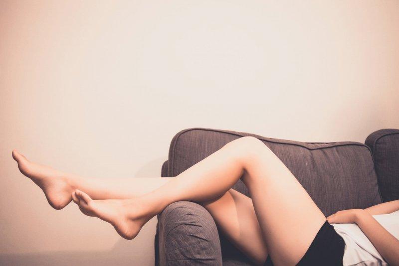 「シャッターストック 女性 太もも痩せ」の画像検索結果