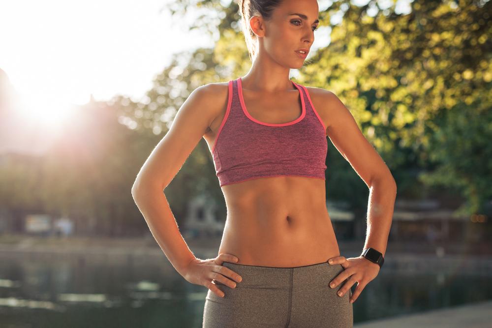 「女性モデル 腹筋」の画像検索結果